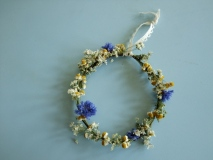 Dried flower wreath, no floral foam