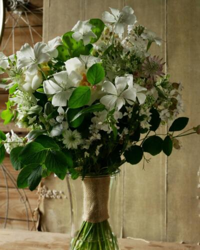 June bouquet - green and white