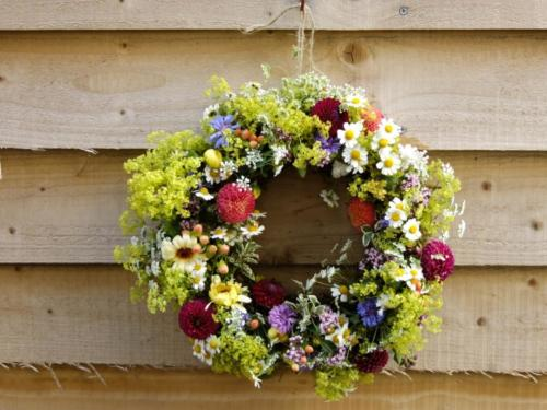 Foam Free Fresh Flower Wreath